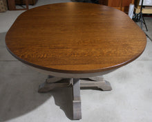 Load image into Gallery viewer, Roseburg Single Pedestal Table