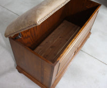 Load image into Gallery viewer, Canyon Creek Blanket Chest