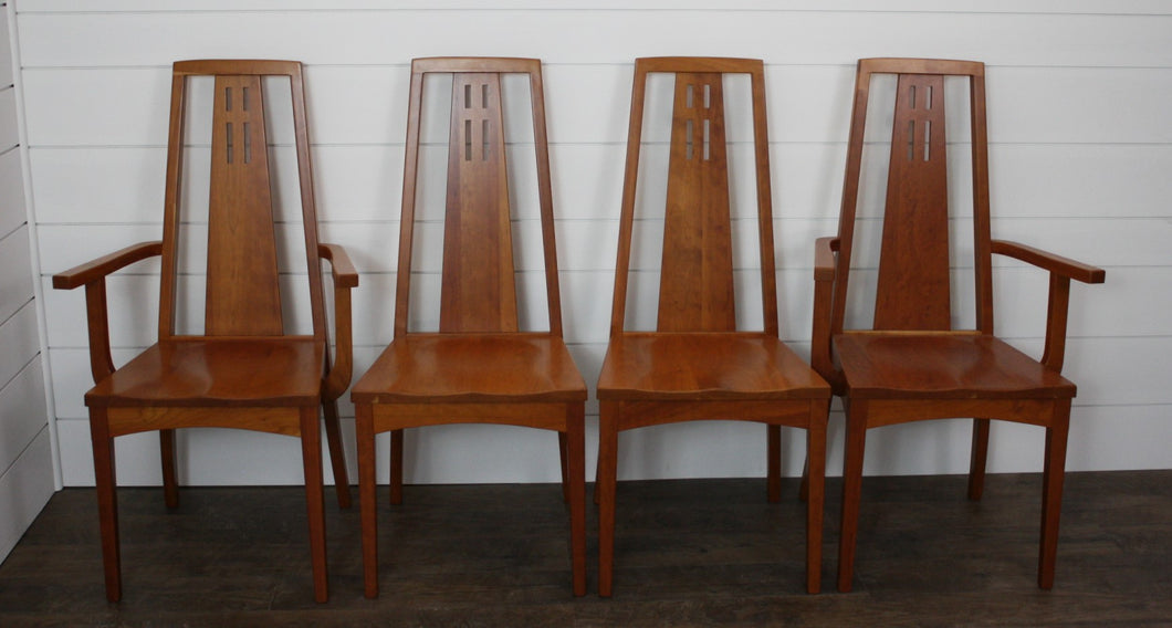 Set of Four Edinburgh Dining Chairs - (2) Arms, (2) Sides