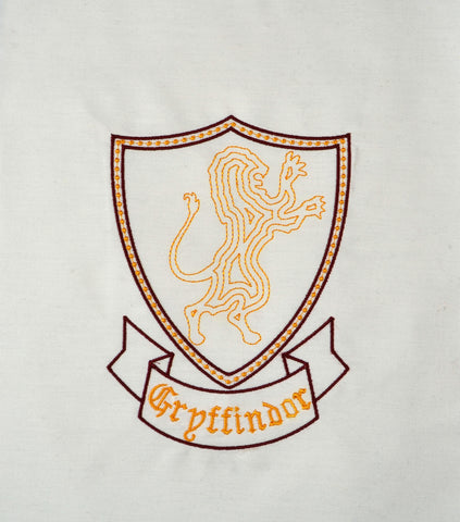 Gryffindor Crest minimalist machine embroidery design 5x7