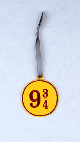 9 3/4 ornament ITH machine embroidery design 4x4