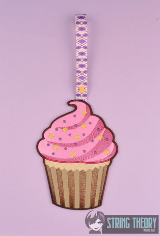 Towel Topper Cupcake ITH 5x7 machine embroidery design