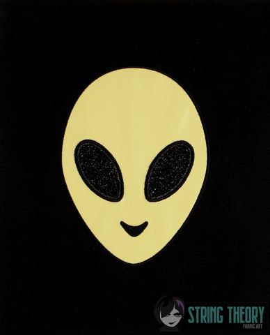 Alien Head Applique 5x7 machine embroidery design
