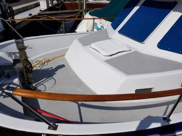 Boat Carpet Alternatives & Replacement Guide