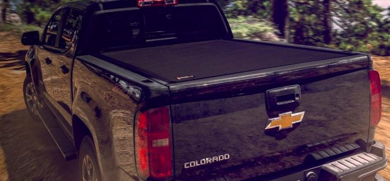 tonneau cover on Chevrolet Colorado