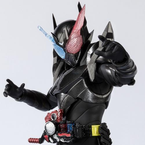 Bandai S.H.Figuarts Kamen Rider Build Rabbittank Hazard Form Figure JP LTD SHF
