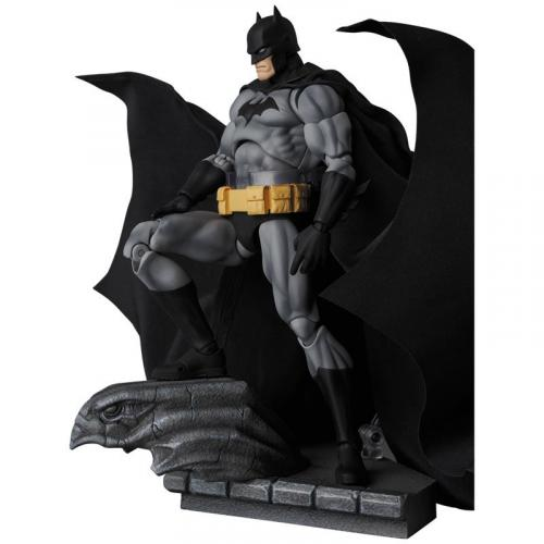 "Medicom Toy MAFEX No.126 MAFEX BATMAN ""HUSH"" BLACK Ver."