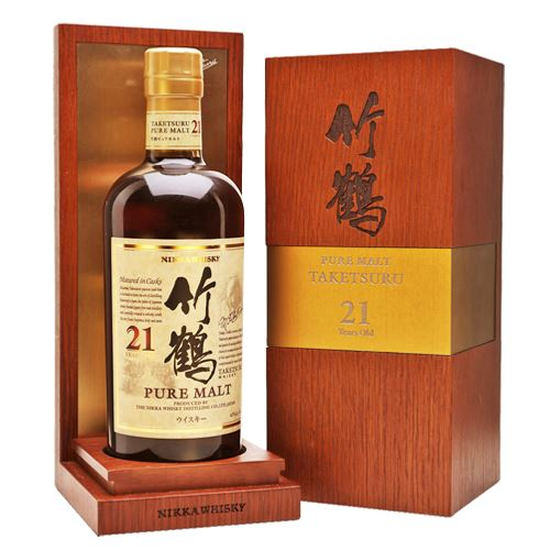 Nikka Taketsuru Pure Malt 21 Year Old Whisky 70cl in Wooden Gift Box 45% ABV