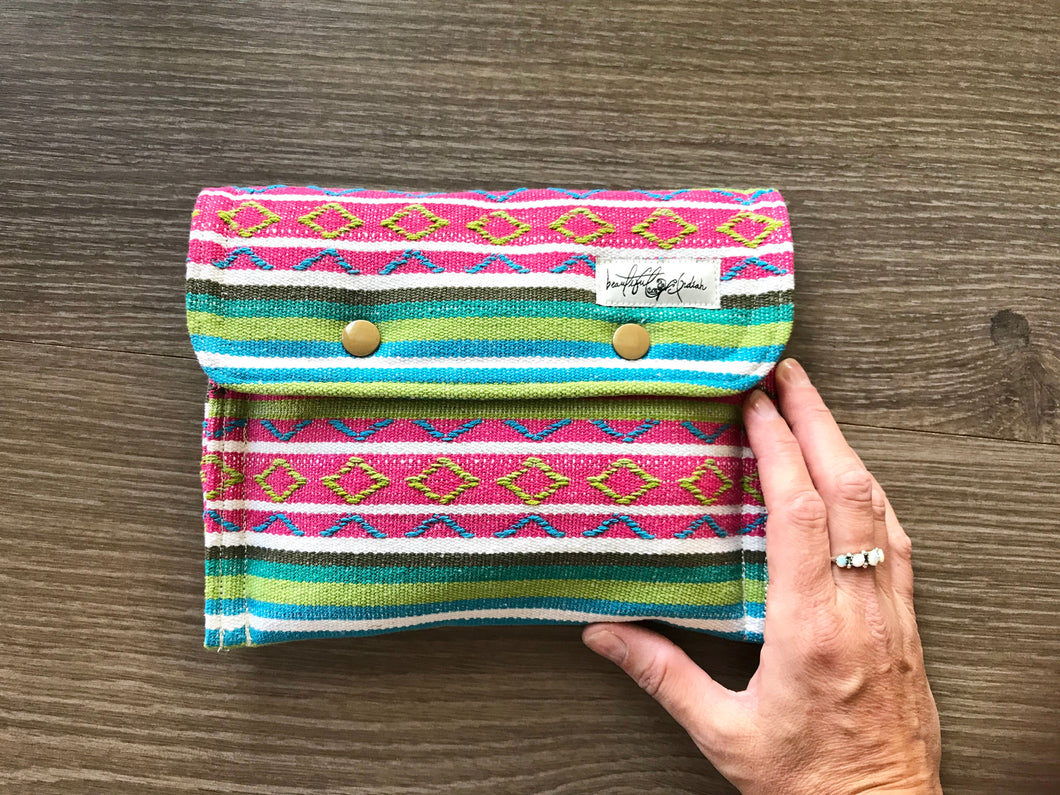 Cabos Mini Essential Oil Clutch