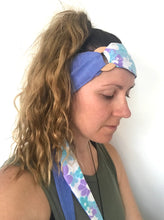 Load image into Gallery viewer, Vintage Floral & Blue Headwrap