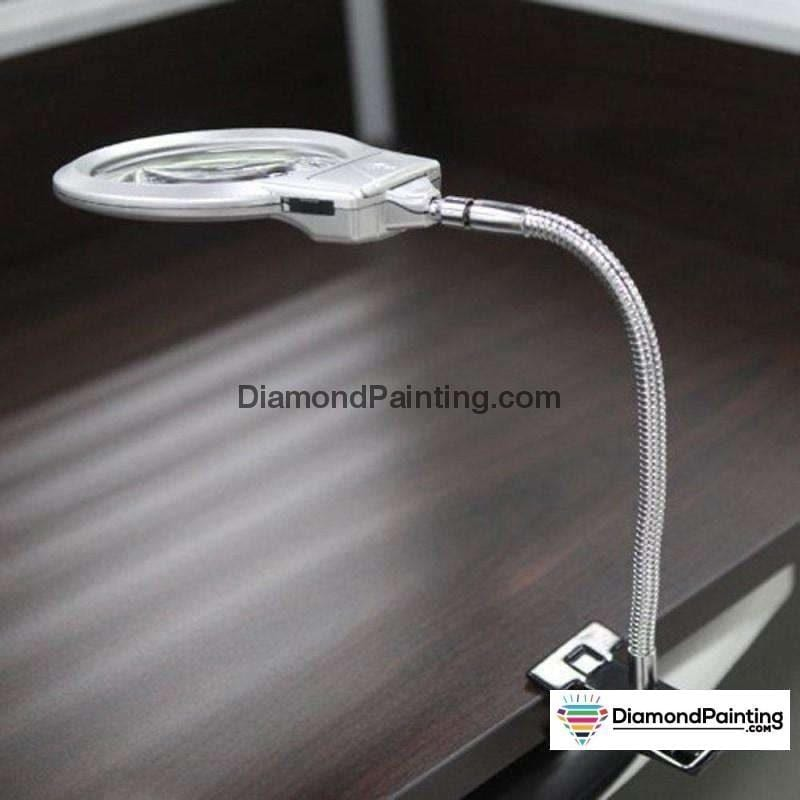 Ships From USA - LED Light with 4x/6x Magnifier for Diamond Painting - DiamondPainting.com
