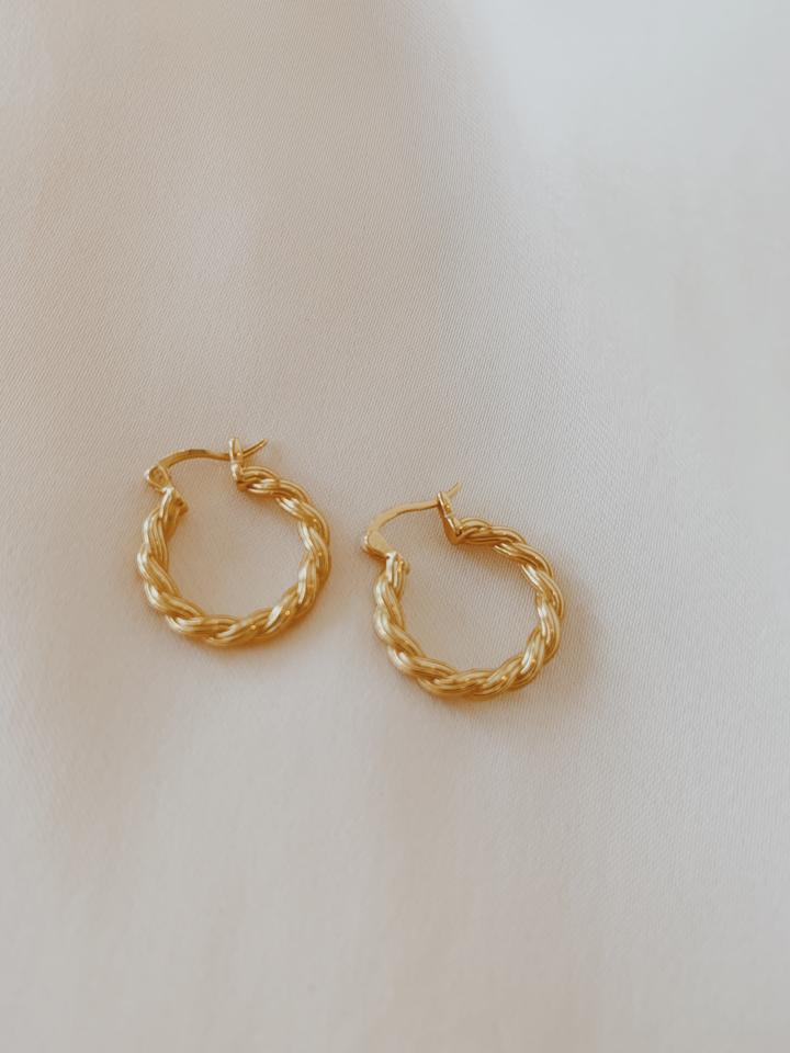 Rita Twist Hoops Gold