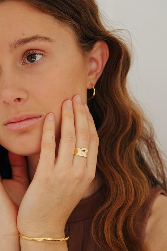 Rosie Hammered Ring Gold