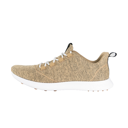 Tomo golf shoe in sand