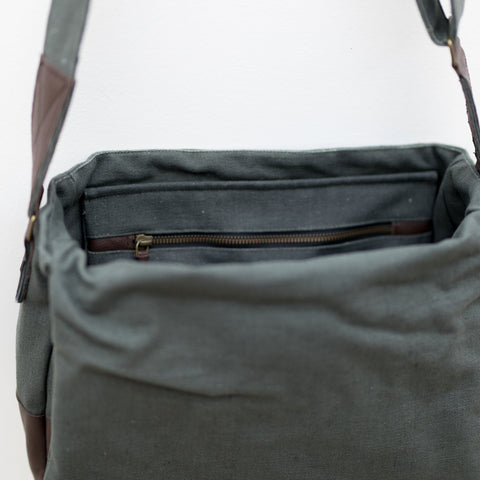 Purnaa Messenger Bag