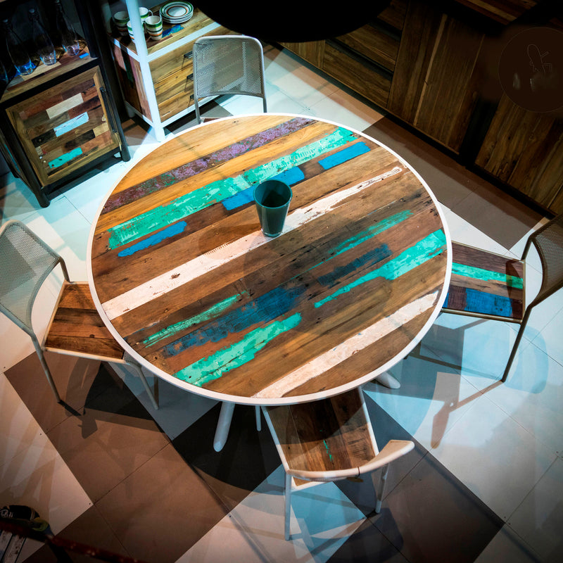 Round Kleo Dining table