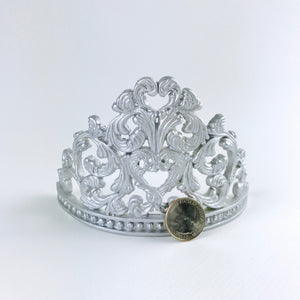 Princess Tiara Fondant Cake Topper in Silver size comparison
