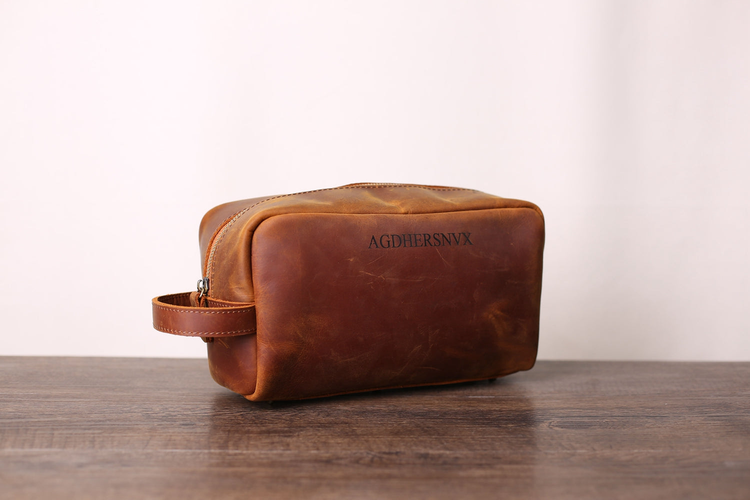 AGDHERSNVX Groomsmen Gift, Personalized Leather Toiletry Bag for Groomsmen, Wedding Gift, Custom Leather Dopp Kit with Monogram, Groomsman Gift - urweddinggifts