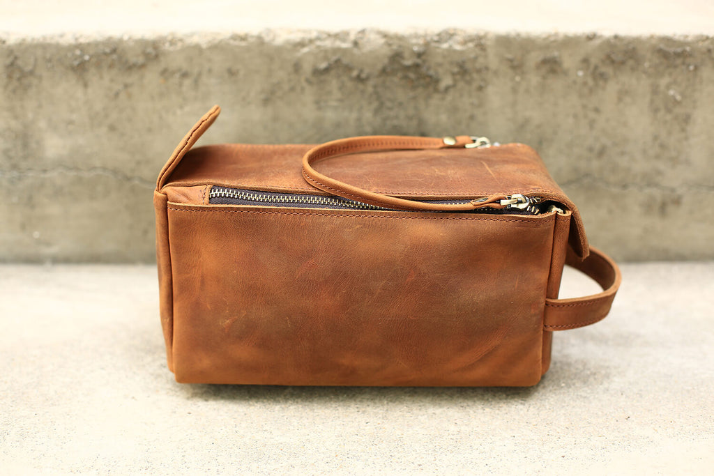Groomsmen Gifts Men Leather Toiletry Bag Monogram Dopp Kit Personalized Best Man Gifts - urweddinggifts