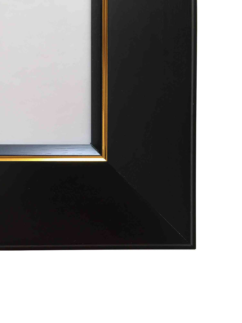 products/frame_black_gold_35x70_OTH_004_3.jpg