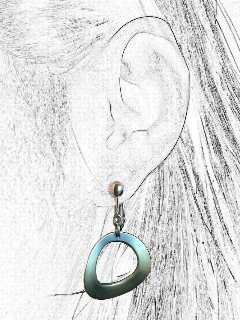 products/titanium_earrings_green_ring_4.jpg