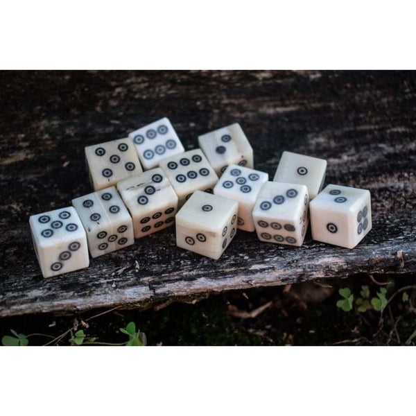 RAGNAR'S BONE D6 12PCS NATURAL - BLACK PIPS