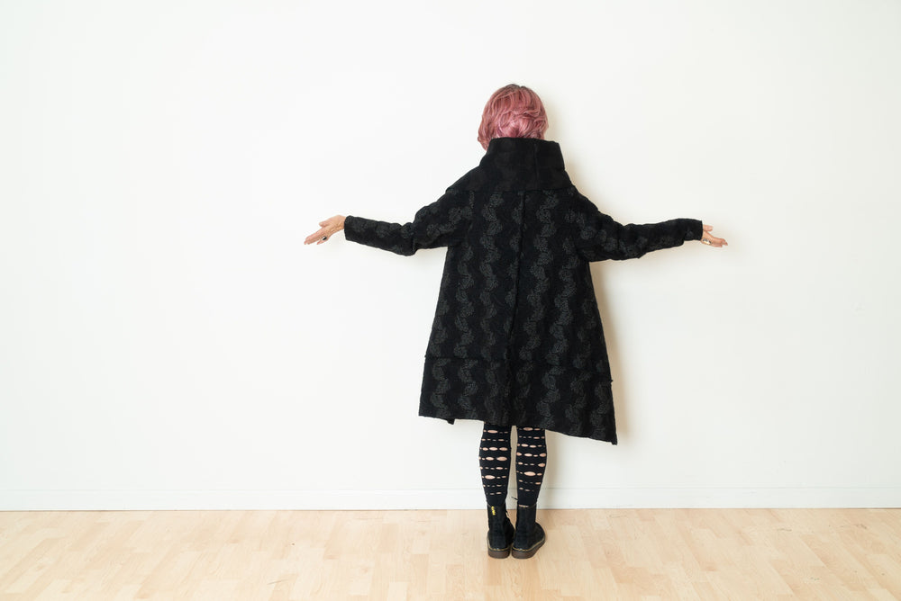 New Flying Textured Coat in Black