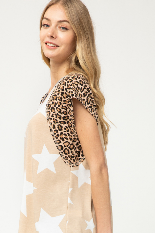 Raylee Star Print Contrast Sleeve Top