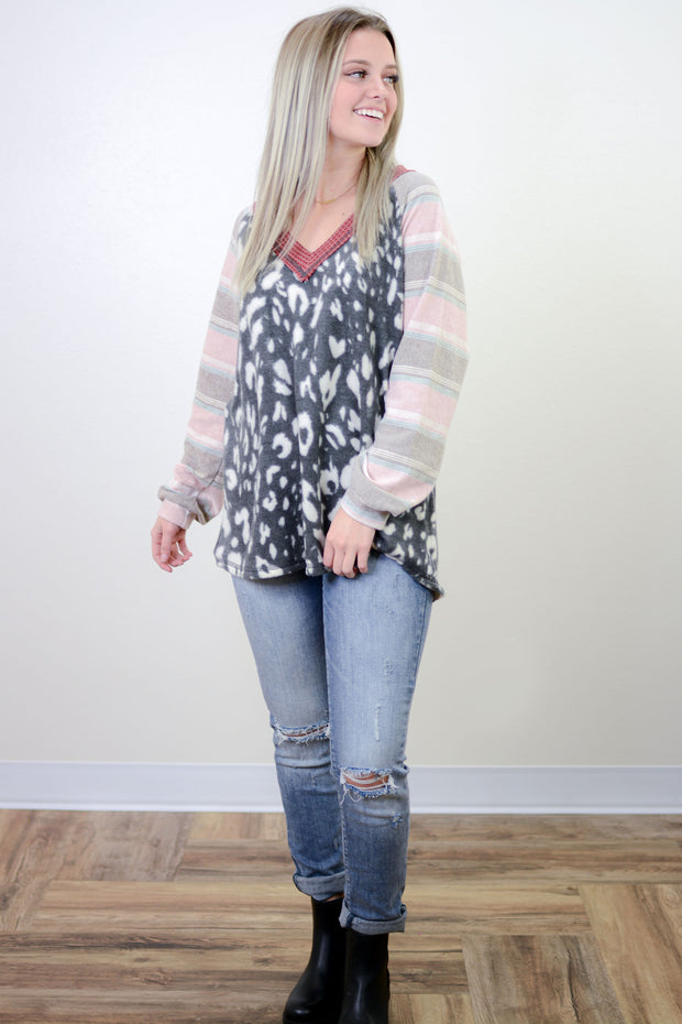 Jaylee V-Neck Mixed Print Top