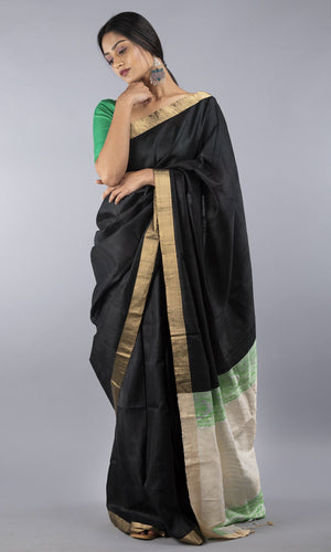 Handwoven kanchipuram silk in black with geometric pallu design