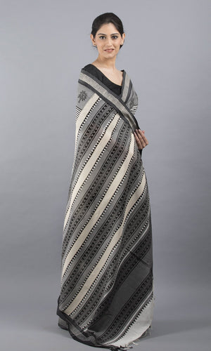 Handwoven organic cotton in white and black geometric design