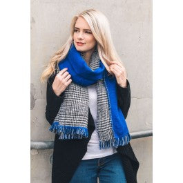 Reversible Houndstooth Solid Frayed Edge Scarf
