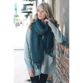 Soft Ridge Textured Tassel Scarf
