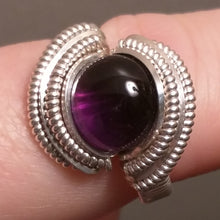 Load image into Gallery viewer, Silver and Amethyst Ring