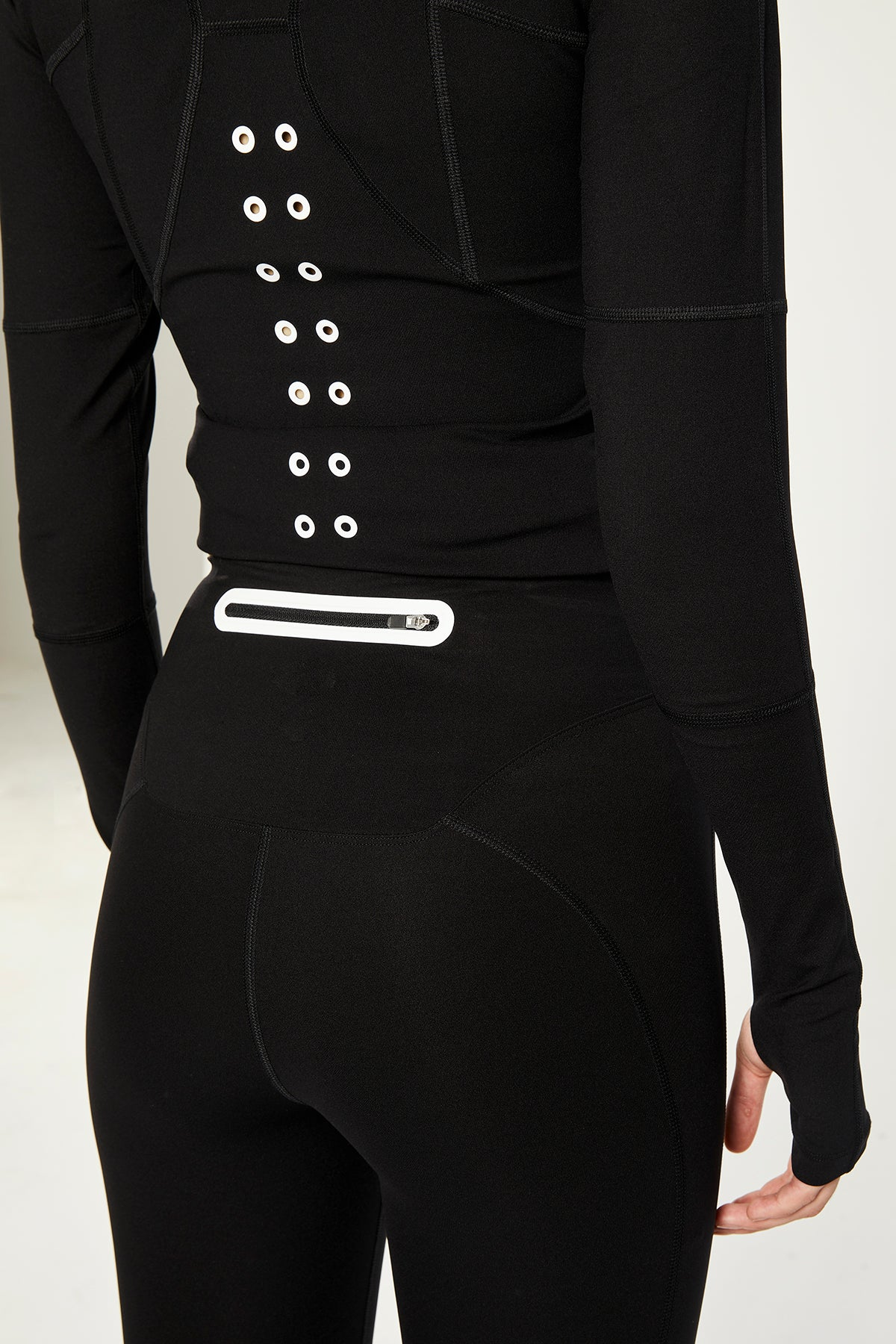 CROSS-OVER BLACK ULTRA TECHNOLOGIC HIGH WAISTED LEGGINGS