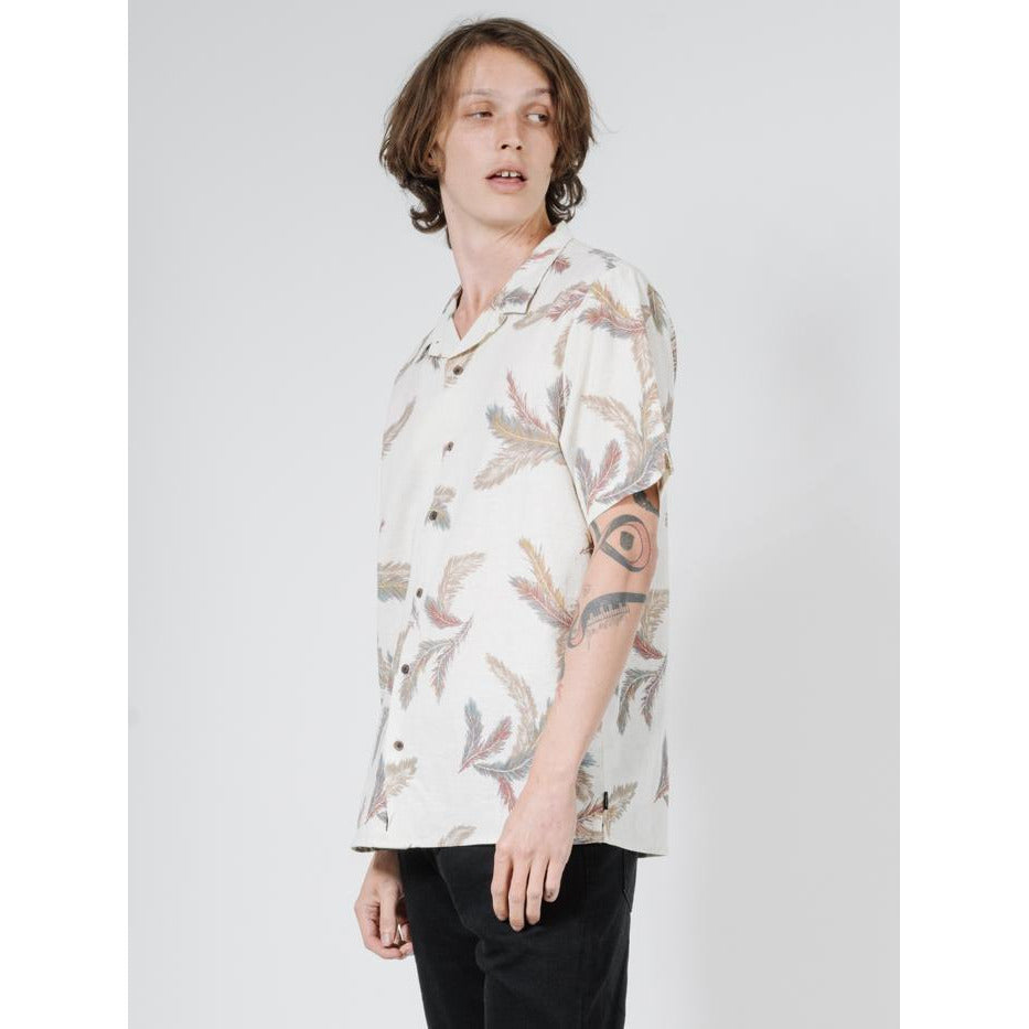 FEATHERED SHORT SLEEVE SHIRT THRILLS MEN