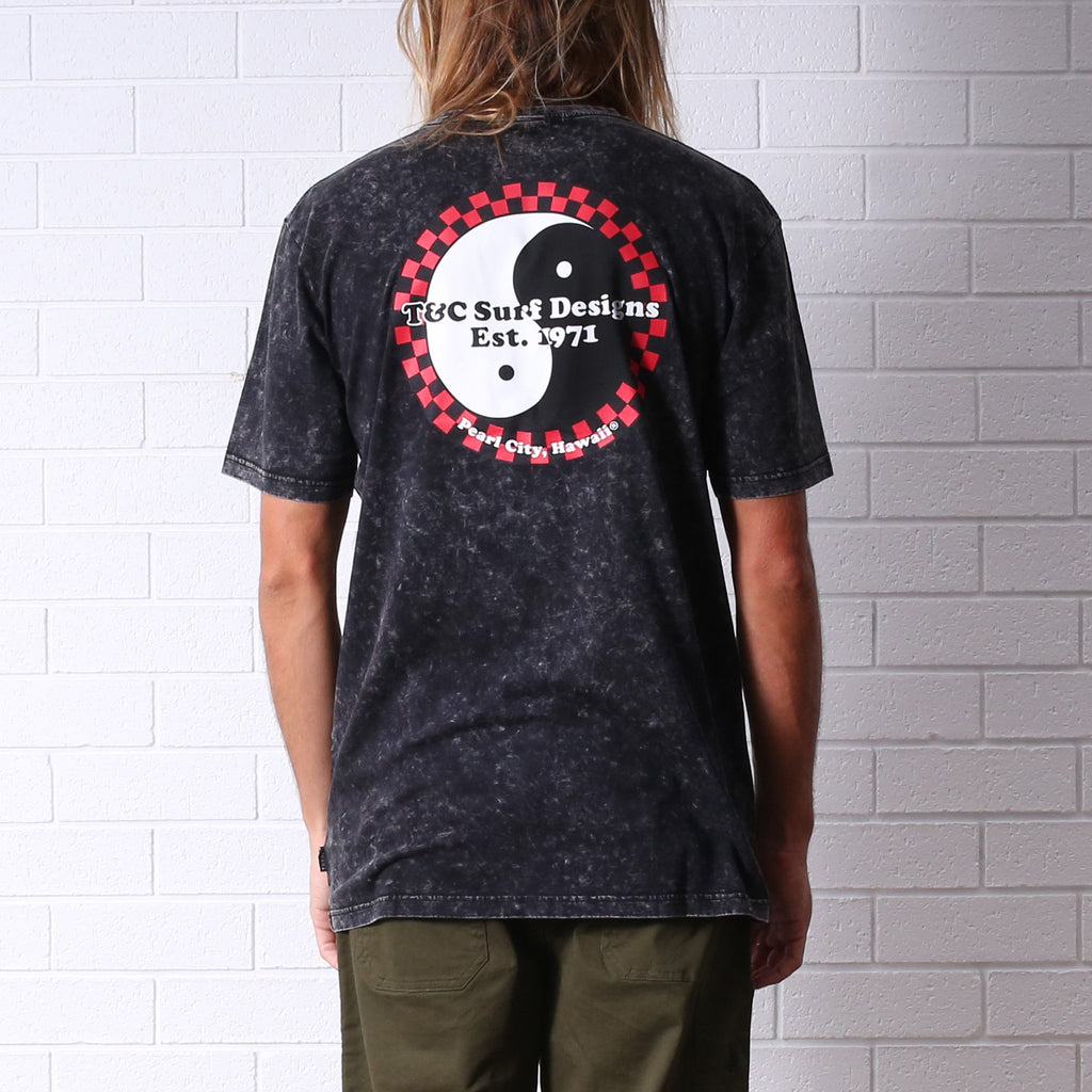 T&C ALOHA PEARL CITY TEE ACID BLACK