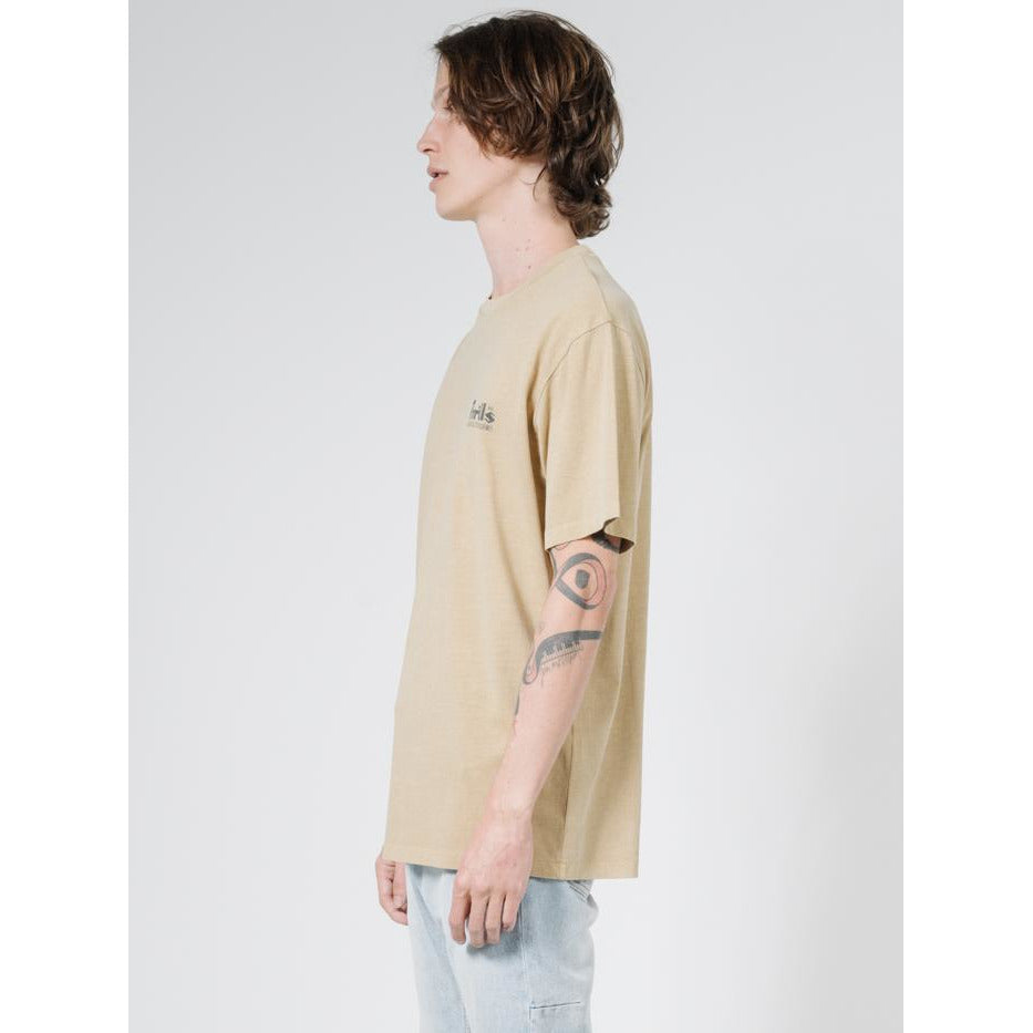 WELLNESS MERCH FIT TEE THRILLS FADED GOLD