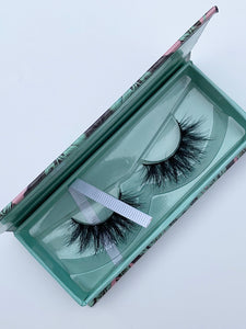 """IT GIRL"" MINK LASHES"