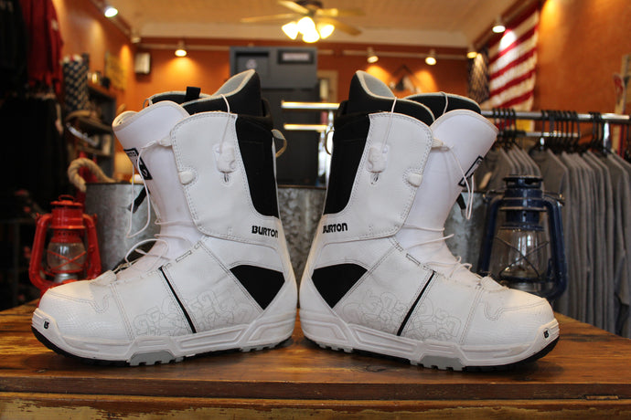 Used Burton quick lace Snowboard boots