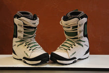 Used 32 Snowboard Boots Size 9