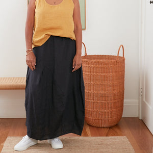 A great versatile skirt with a unique silhouette. Made in Italy from soft, sustainable linen, this skirt defies fashion to create your own timeless look year round.