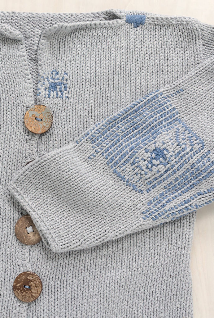 Visible Mending: Artful Stitchery to Repair and Refresh Your Favorite Things - Jenny Wilding Cardon