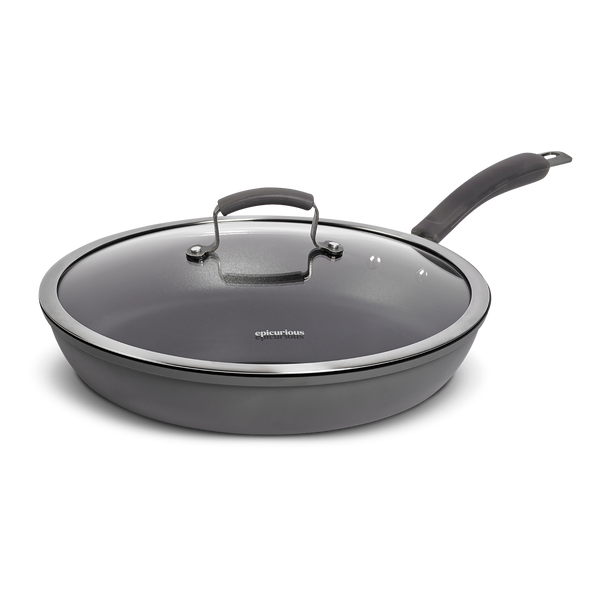 "13"" Covered Skillet"