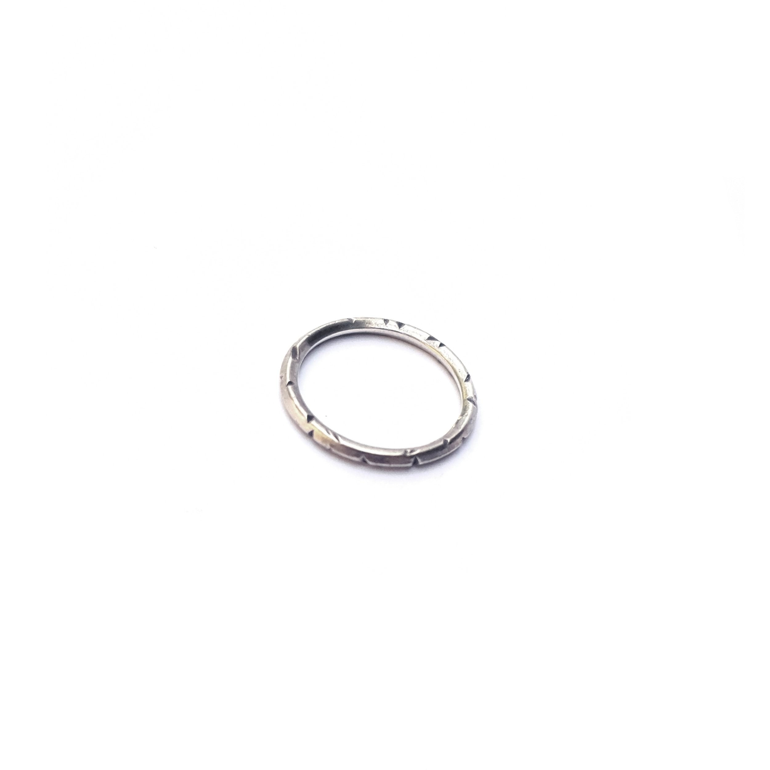 Knife Edge Midi Ring