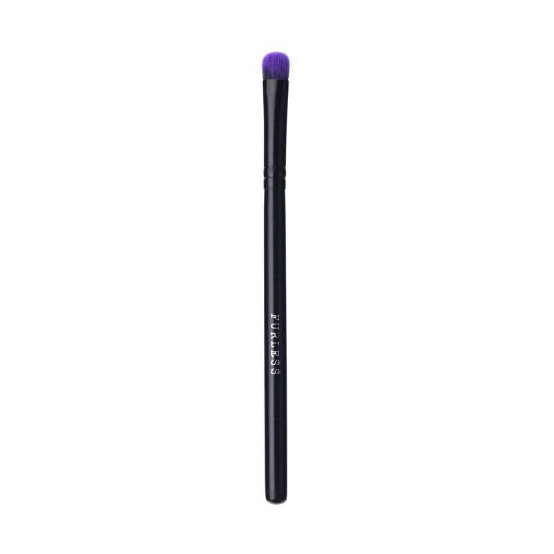 BRUSHES - PURPLE FLUFFY EYESHADOW BRUSH