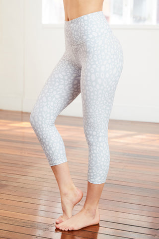 light grey 7/8 legging with a sophisticated leopard print