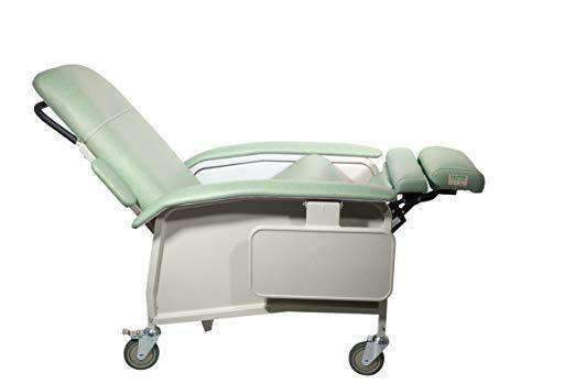 Drive Medical Clinical Care Geri Chair Recliners - Senior.com Recliners