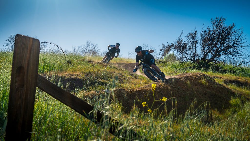 mountain bikers shredding