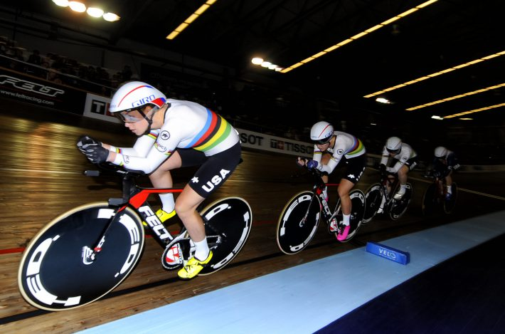 women track cycling team racing